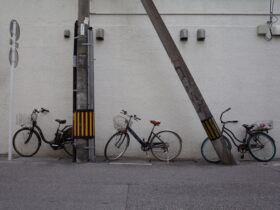 「亜茶子」第三回用 街の自転車